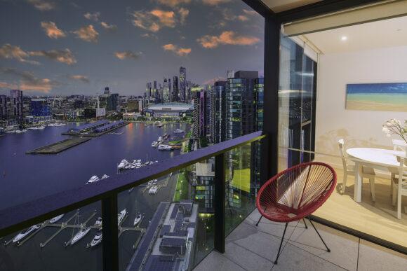 Top Floor 2 Bedroom / 2 Level / 2 Bathroom Apartments with Harbour Views